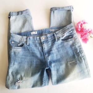 Gap | Girlfriend Distressed Light Wash Jeans 30